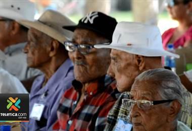 Nicoya realizó homenaje a sus pobladores de más de 100 años