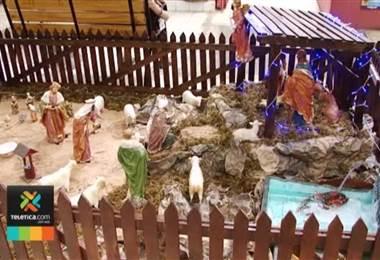 Con tamales, pintacaritas y recolección de juguetes, el Mercado Borbón inauguró la Navidad
