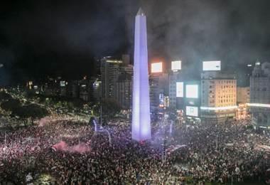 Cerca de 60 mil personas celebraron el título de River Plate en Buenos Aires. AFP