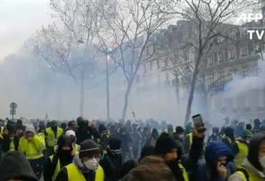 """Disturbios en protestas de """"chalecos amarillos"""""""