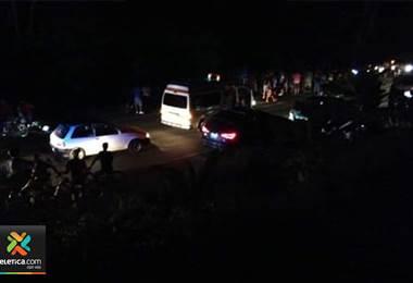 Tres niños y su madre están heridos de gravedad tras ser atropellados por vehículo en Jacó