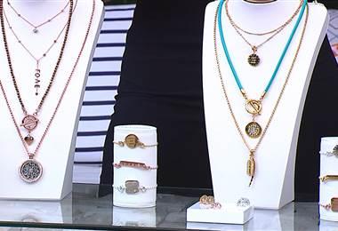 Aprenda a lucir los accesorios de oro y plata con su vestuario