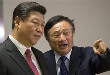Ren junto al presidente Chino Xi Jinping