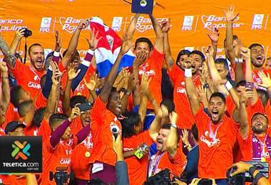 Equipo que obtenga el título de campeón de apertura marcará un hecho histórico al alzar la copa