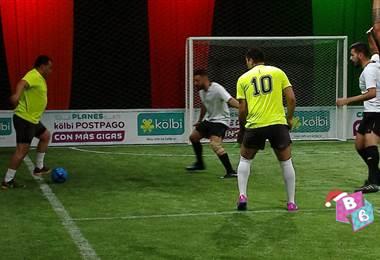 Vea el detrás de cámaras del partido de la Copa Chinamo entre Revistas y Teletica Deportes