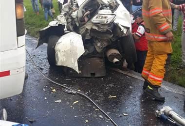 Accidente en la General Cañas sentido Alajuela a San José.