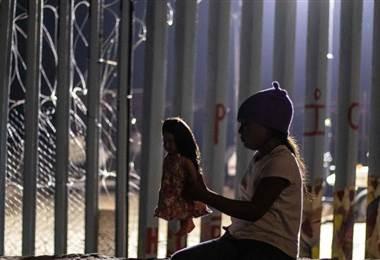 Niña guatemalteca muere en frontera EE.UU