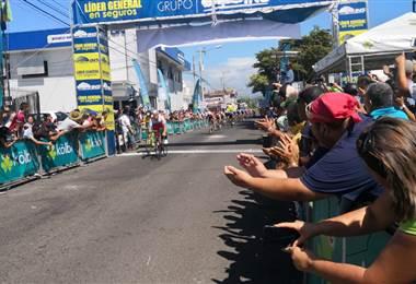 El ruso Maxim Piskunov es el primer líder de la Vuelta a Costa Rica 2018. Fotografía Andrés González