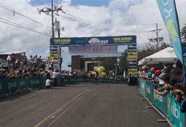Ciclista mexicano Efrán Santos de Canel's Specialized.|Andrés González y Ricardo Cordero