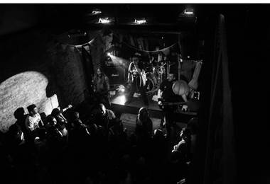 Audiencia 88 Fingers Louie. Foto por Jowar Torres Ruíz
