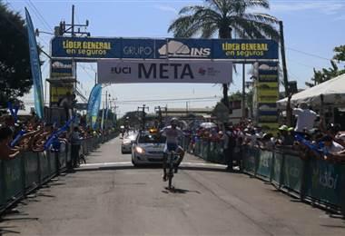 Sebastián Moya se convirtió en el ganador de la etapa 4 de la Vuelta a Costa Rica. Andrés González