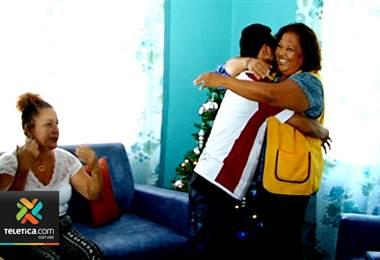 Sueños de Navidad: madre y su hijo con síndrome de down están pasando una muy feliz navidad