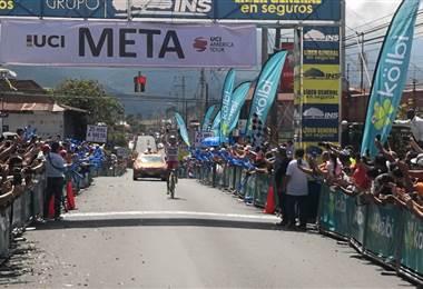 Román Villalobos ganador de la sexta etapa de la Vuelta a Costa Rica. Andrés González
