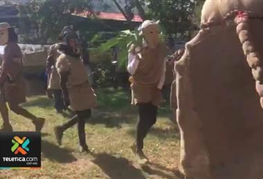 El tradicional juego indígena los Diablitos despide este 2018