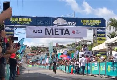 Colombiano Cañaveral gana en Pérez Zeledón; Cano se mantiene líder