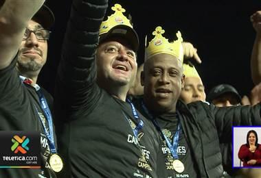 Jafet Soto logró su primer título nacional como entrenador y su primer gane en Tibás