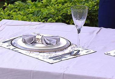 Aprenda a decorar su mesa para las fiestas de fin de año
