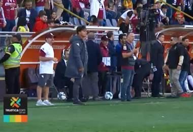 Vladimir Quesada fue ratificado como técnico del Saprissa para el 2019