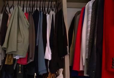Consejos para ordenar el closet por color y tipo de prenda