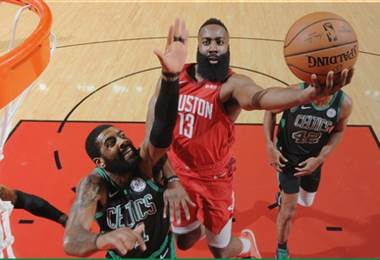 James Harden y Kyrie Irving |NBA.