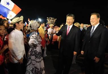 Los presidentes Juan Carlos Varela (Panamá) y Xi Jinping (China).