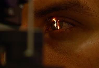 ¿Le ha pasado que siente una basurita en el ojo o se le hacen orzuelos frecuentemente?