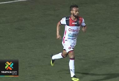 Maalique Foster apareció en el mejor momento para Alajuelense