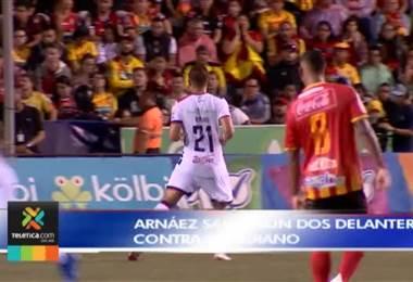 Luis Diego Arnáez cambió su filosofía de juego ante Herediano