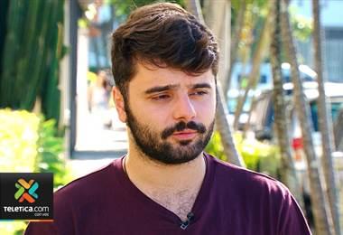 Joven poeta de Rumania visita Costa Rica para promocionar sus libros