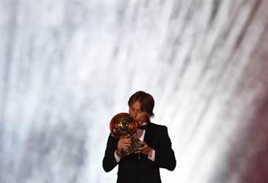 El croata Luka Modric ganó el Balón de Oro 2018.|AFP