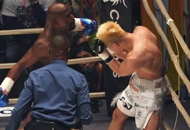 Floyd Mayweather derrotó a Tenshin Nasukawa. AFP