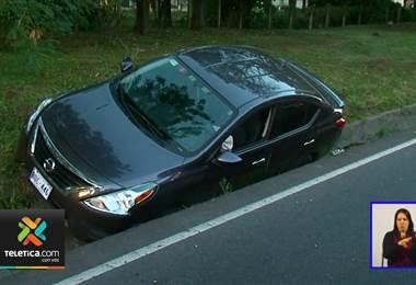 Accidente de tránsito mantiene dos carriles cerrados en la Autopista General Cañas