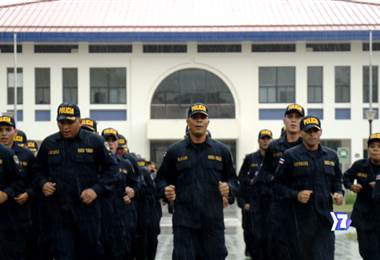Durante el siglo pasado abolimos el ejército. Ahora el reto es tener una policía capacitada…¿cómo lo lograremos?