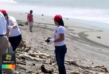 500 voluntarios de diferentes partes del país limpiaran 10 playas este miércoles
