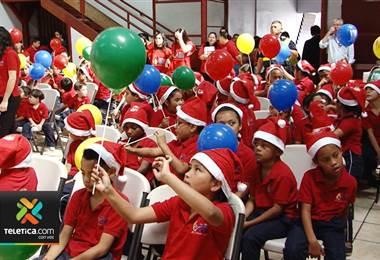 Conozca cómo ayudar a miles de niños en la fiesta navideña de Obras del Espíritu Santo
