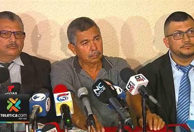 Padre de Carla Stefaniak habló en conferencia de prensa