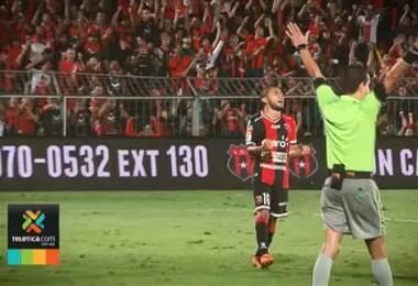 Alajuelense busca dar el golpe definitivo para ratificar su mejor momento del torneo