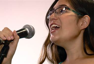 Siga estos consejos y aprenda a cantar sin problemas