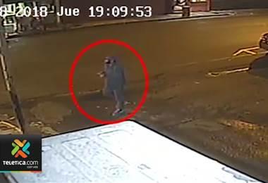 Vídeo captó asesinato a sangre fría de una mujer en la terminal de buses de Puntarenas