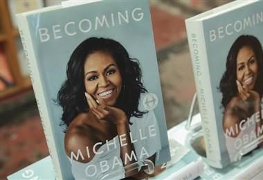 Michelle Obama lanza libro 'Becoming'