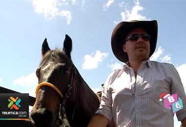 De esta forma se prepara Michael Bleak para las corridas de toros de Zapote
