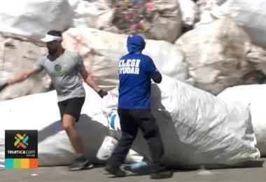 Costa Rica logra récord Guinness por recolectar 25 toneladas de plástico en 8 horas
