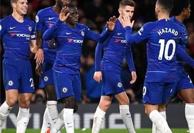 Jugadores del Chelsea celebran el gol de Kante ante el Manchester City.|AFP