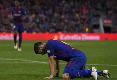 Luis Suárez no pudo salvar del empate al Barcelona esta vez. AFP