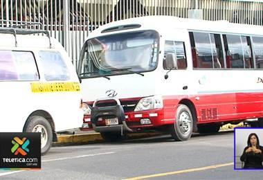Estudiantes que viajen en busetas sin permisos del CTP no podrán utilizar el seguro por accidente