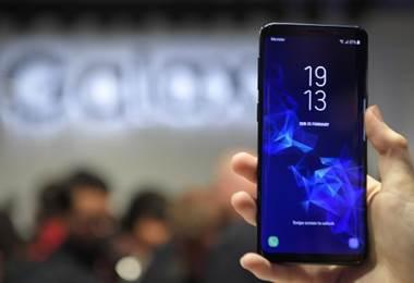 Samsung lanza su nuevo teléfono en arranque del Mobile World Congress
