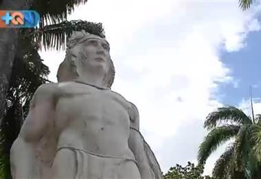 Gracias a este hombre Orotina comenzó a civilizarse  En el parque está su monumento el cual usted debe conocer.