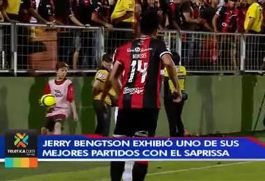 Jerry Bengtson levanta la mano por la titularidad morada