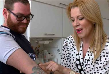 Aprenda los cuidados que deben tener las personas con tatuajes cuando se exponen al sol