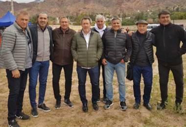 Los ocho excampeones de México 1986 fueron hasta Jujuy a cumplir la promesa. Tomada de Crónica